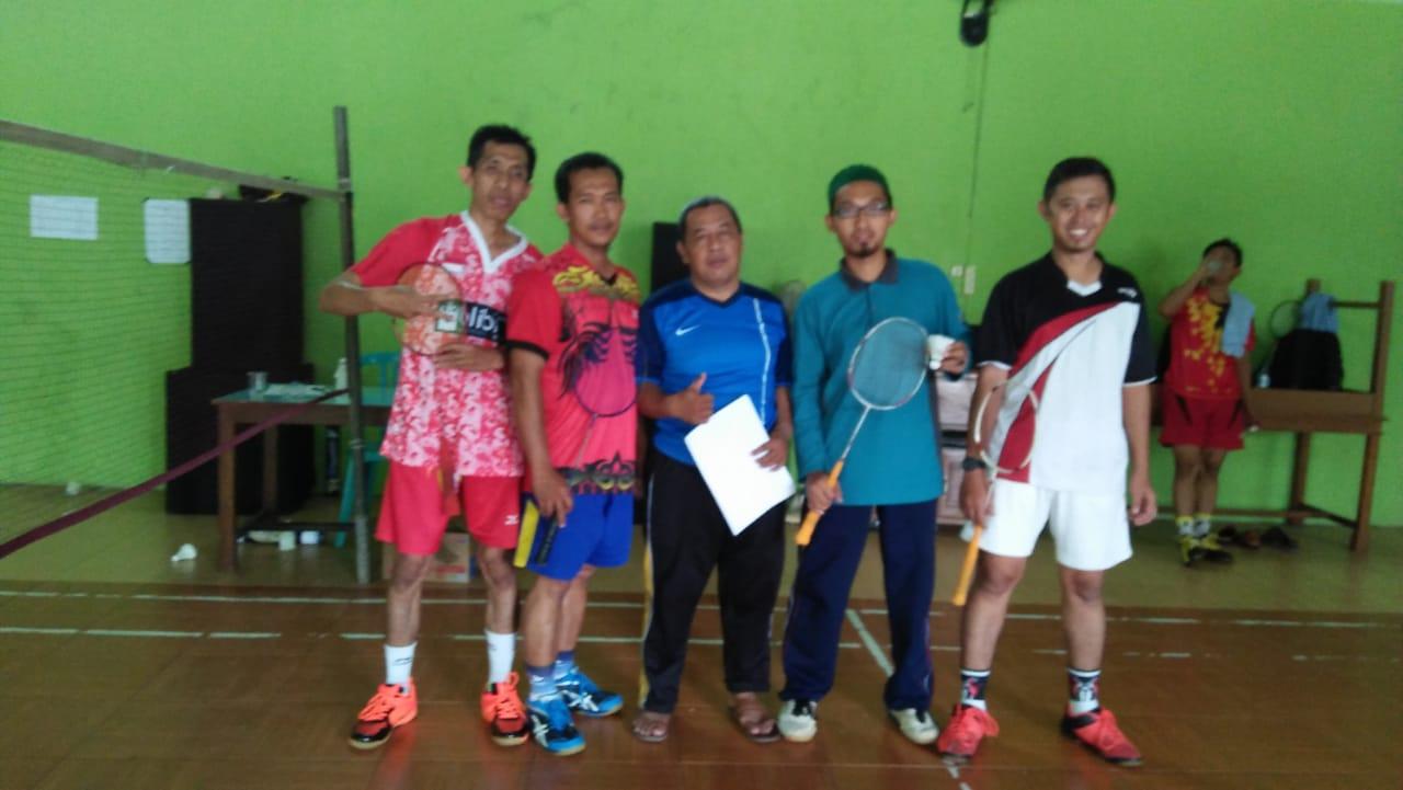 Tim Bulu Tangkis Ganda Putra MIN 2 Kota Madiun Raih Juara II Di Hab Kemenag
