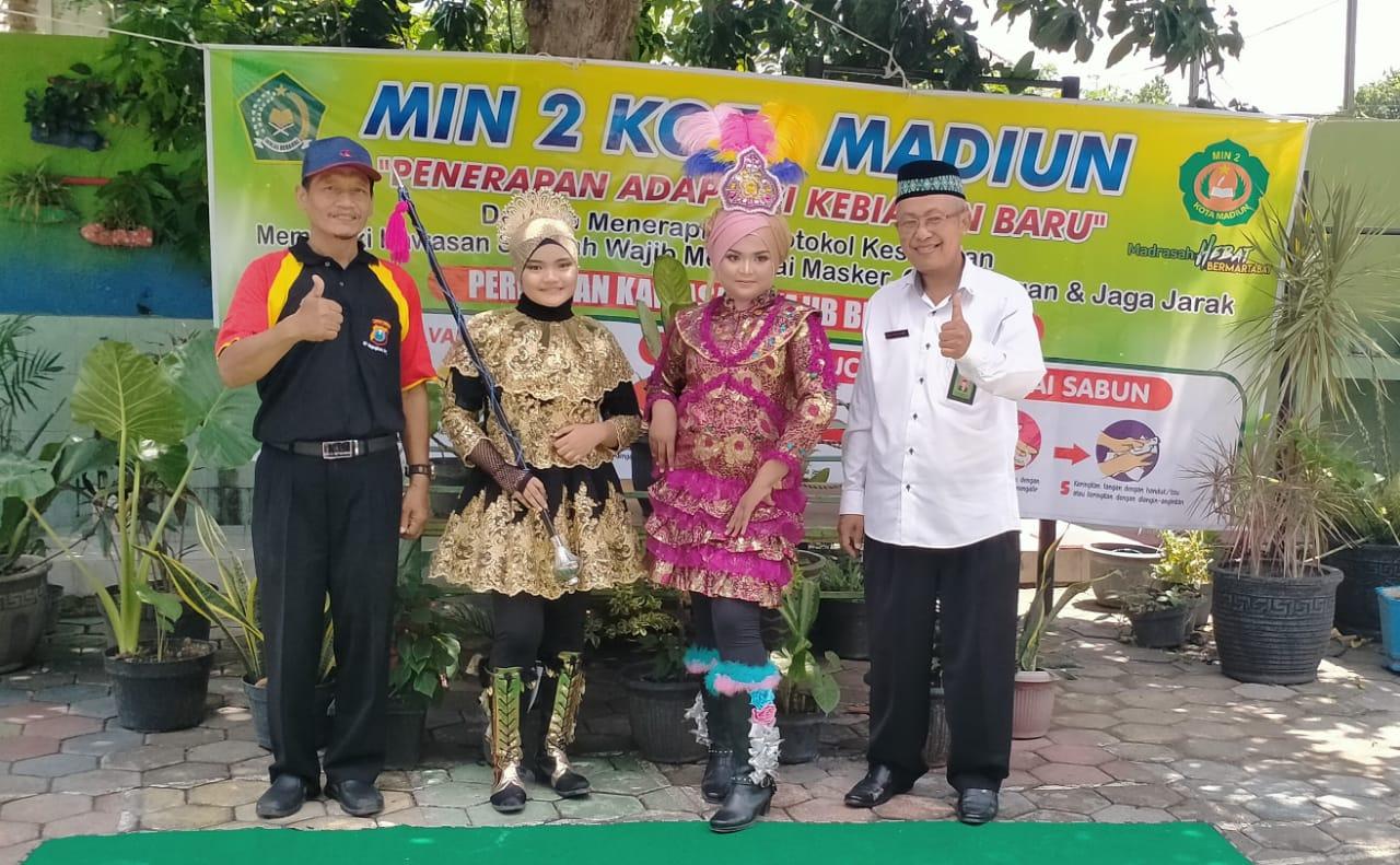Selamat, Dua Siswi MIN 2 Kota Madiun Gondol Juara Drumband Virtual 2020