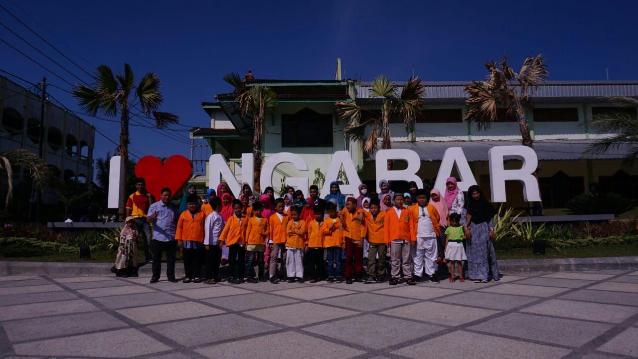 """""""Safari Religi"""" Kelas 3B di Pondok Pesantren Wali Songo Ngabar Ponorogo"""