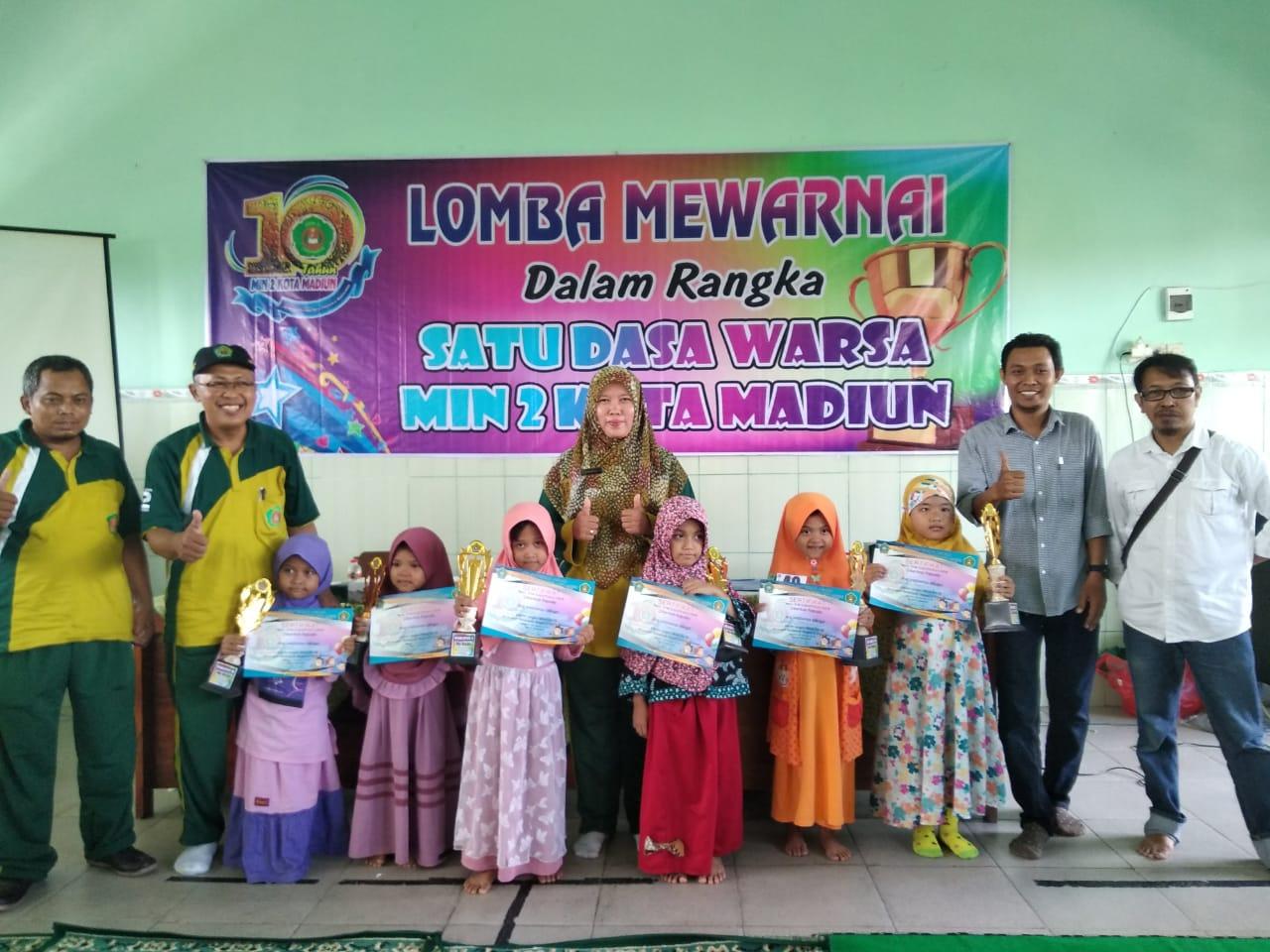 Lomba Mewarnai dalam Gempita Satu Dasawarsa MIN 2 Kota Madiun