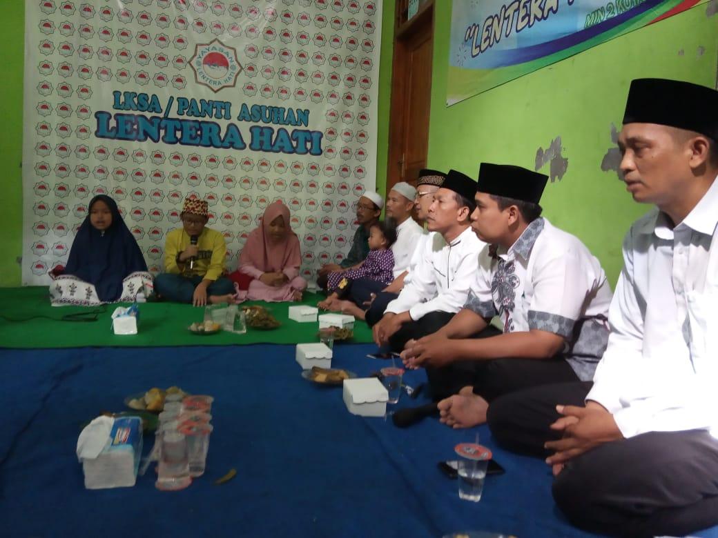 Terapkan Social Values,  Paguyuban Kelas Tahfidz 5D MIN 2 Kota Madiun  Adakan Kunjungan ke Panti Asuhan