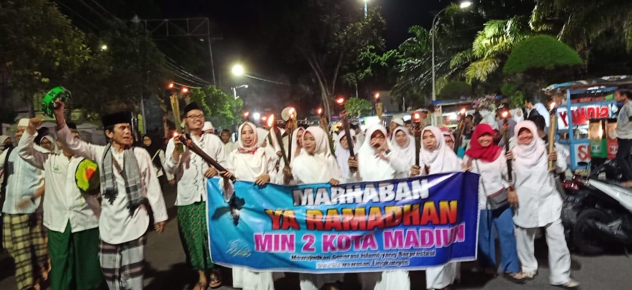 MIN 2 Kota Madiun Ikut Menyemarakkan  Pawai Obor  dalam Menyambut Bulan Suci   Ramadhan 1440 H