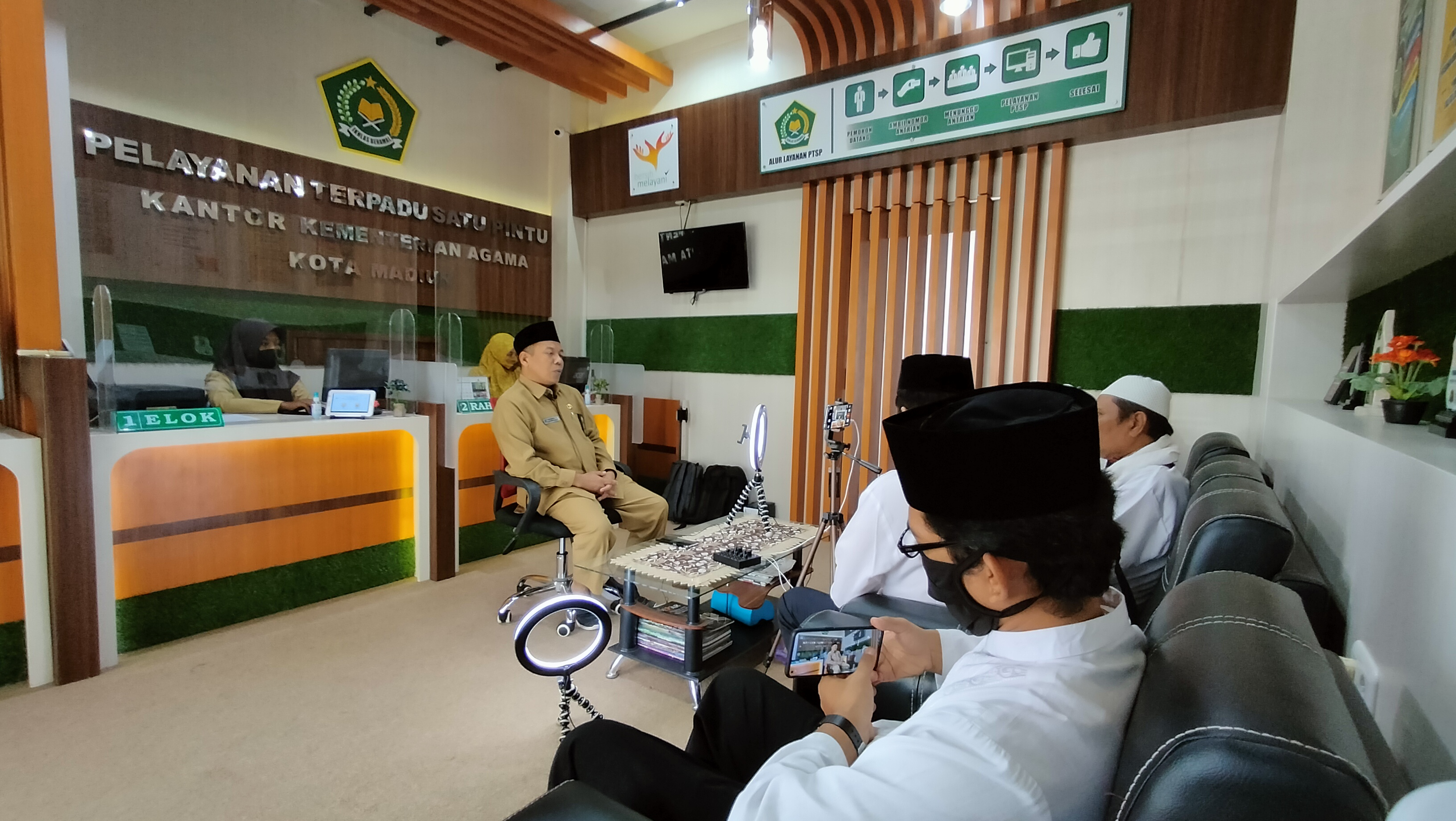 Panitia Pondok Ramadhan Virtual MIN 2 Kota Madiun Silaturahmi Dengan Kepala Kantor Kemenag Kota Madiun